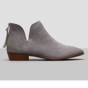 Reaction Kenneth Cole Ankle Boot Loop There It Is
